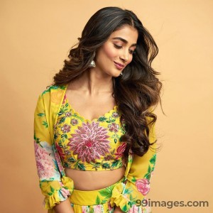 Pooja Hegde Beautiful HD Photoshoot Stills & Mobile Wallpapers HD (1080p) - #20867