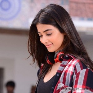 Pooja Hegde Beautiful Photos & Mobile Wallpapers HD (Android/iPhone) (1080p) - #20994