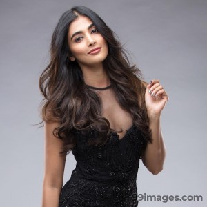 Pooja Hegde Beautiful Photos & Mobile Wallpapers HD (Android/iPhone) (1080p) - #21013