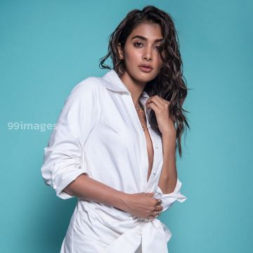 Pooja Hegde Hot Beautiful HD Photos / Wallpapers, WhatsApp DP (1080p)