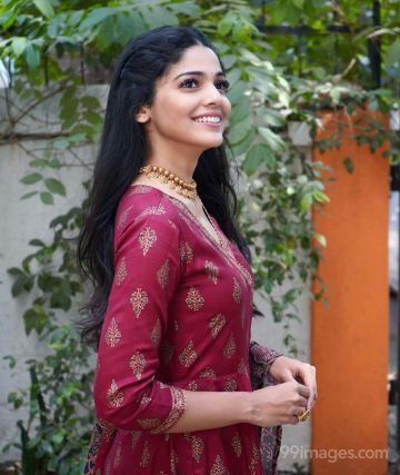 Pooja Sawant Latest Hot HD Photos / Wallpapers (1080p) (Instagram / Facebook)