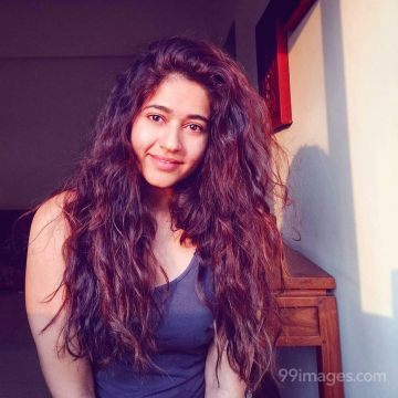 Poonam Bajwa Beautiful HD Photoshoot Stills & Mobile Wallpapers HD (1080p)