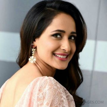 Pragya Jaiswal Hot HD Photos & Wallpapers for mobile (1080p)