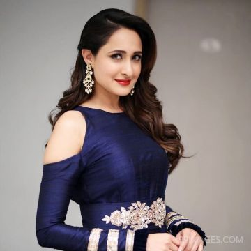 Pragya Jaiswal Hot HD Photos & Wallpapers for mobile (1080p) (pragya jaiswal, actress, model, tollywood, photoshoot)