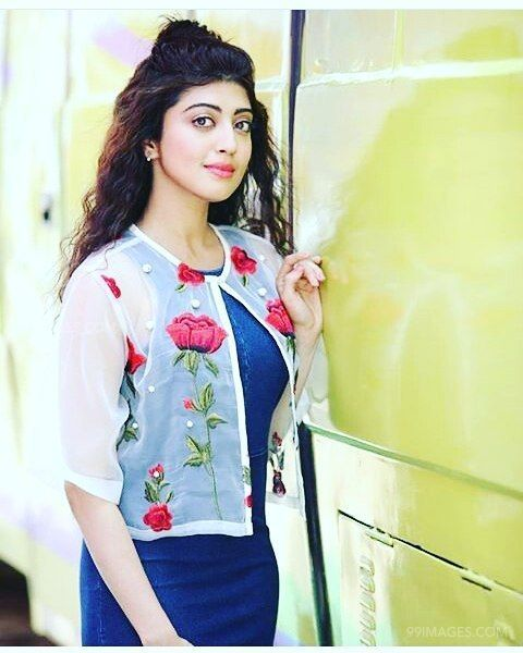 Pranitha Subhash Beautiful Photos & Mobile Wallpapers HD (Android/iPhone) (1080p) (25786) - Pranitha Subhash