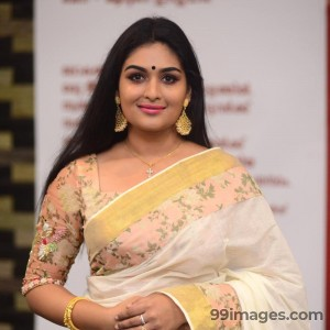 Prayaga Martin Cute HD Photos (1080p)