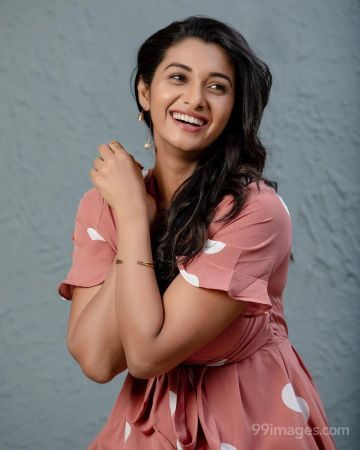 Priya Bhavani Shankar Beautiful/Hot HD Photos / Wallpapers (4k, 1080p)