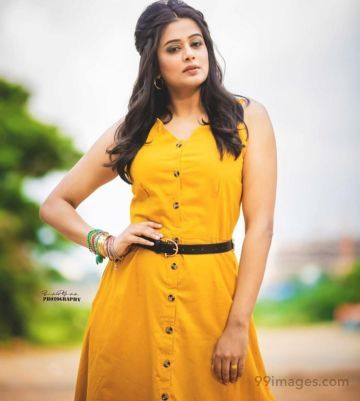 Priyamani Latest Hot Beautiful HD Photoshoot Stills / Wallpapers (1080p)