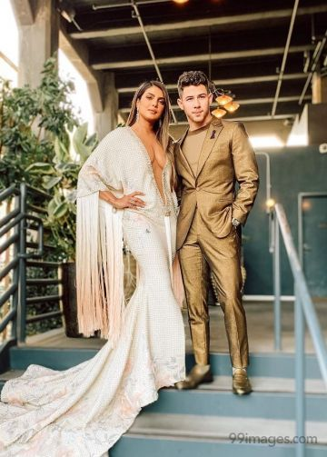 Priyanka Chopra Hot & Beautiful in retro gown for Grammys 2020 with Nick Jonas