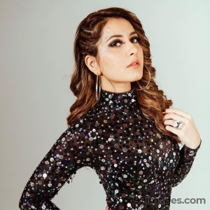 Raashi Khanna Beautiful HD Photoshoot Stills & Mobile Wallpapers HD (1080p) - #17133