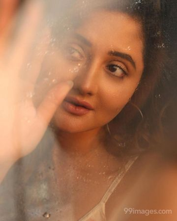 Rashami Desai Latest Hot HD Photos / Wallpapers (1080p) (Instagram / Facebook)