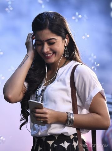 Rashmika Mandanna Beautiful HD Photos & Mobile Wallpapers HD (Android/iPhone) (1080p)