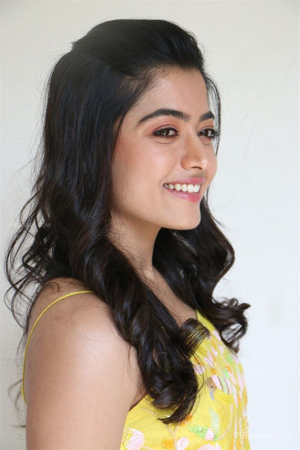 Rashmika Mandanna Beautiful HD Photos & Mobile Wallpapers HD (Android/iPhone) (1080p) (363786) - Rashmika Mandanna