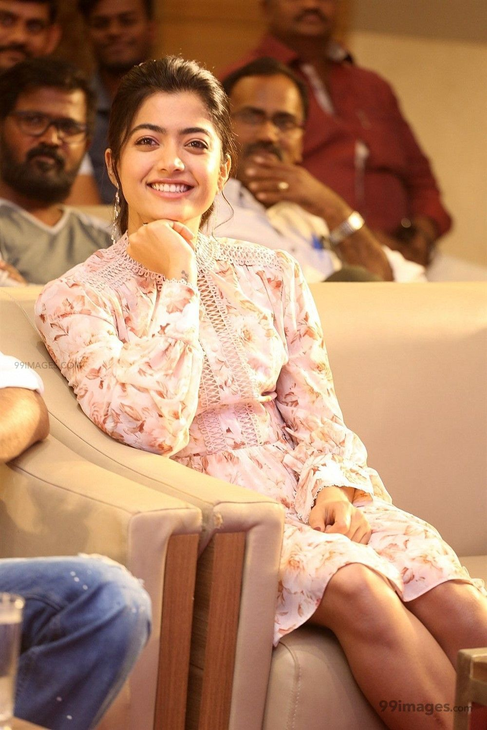 Rashmika Mandanna Beautiful HD Photos & Mobile Wallpapers HD (Android/iPhone) (1080p) (475150) - Rashmika Mandanna