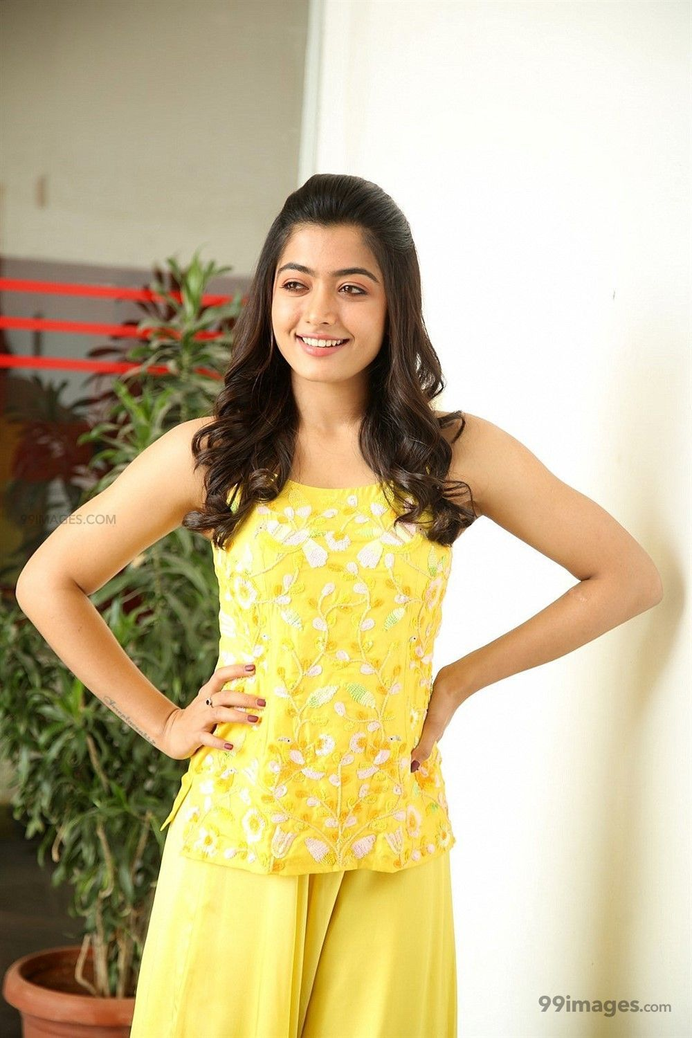 Rashmika Mandanna Beautiful HD Photos & Mobile Wallpapers HD (Android/iPhone) (1080p) (363771) - Rashmika Mandanna