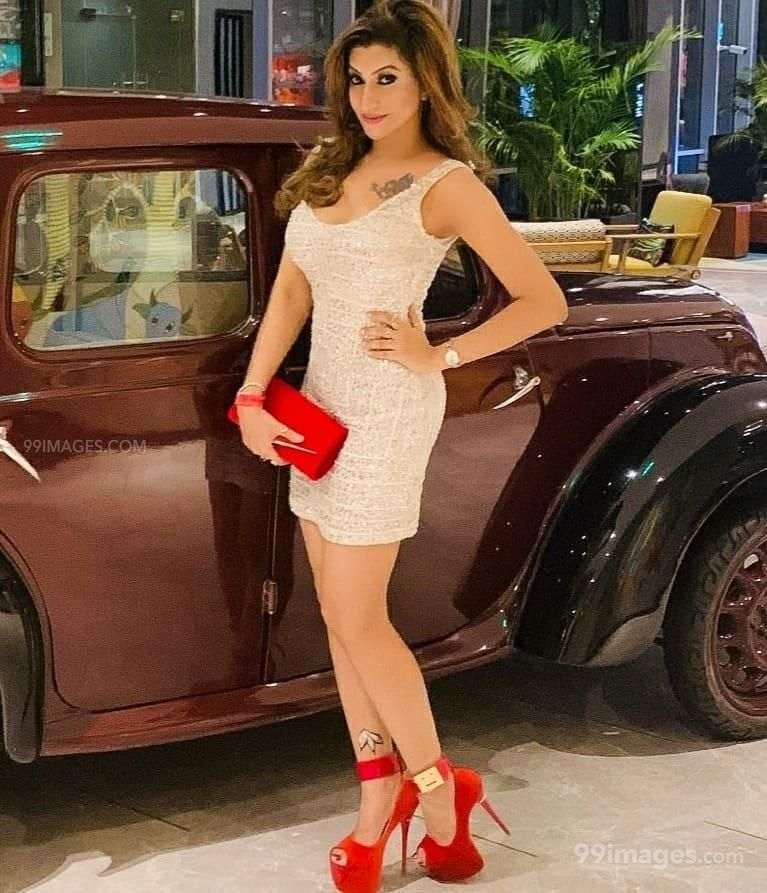 Roshni Kapoor Latest Hot HD Photos / Wallpapers (1080p) (Instagram / Facebook)