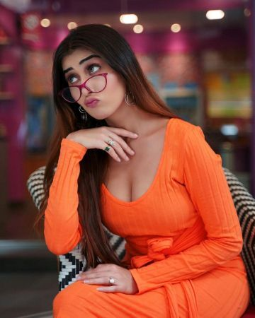 Ruma Sharma Latest Hot Photoshoot Photos in HD (1080p) (Instagram)
