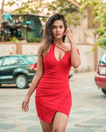 Sakshi Dwivedi Latest Hot HD Photos / Wallpapers (1080p) (Instagram / Facebook)