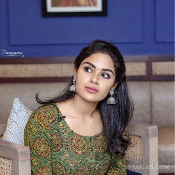Samyuktha Menon Beautiful HD Photoshoot Stills & Mobile Wallpapers HD (1080p)
