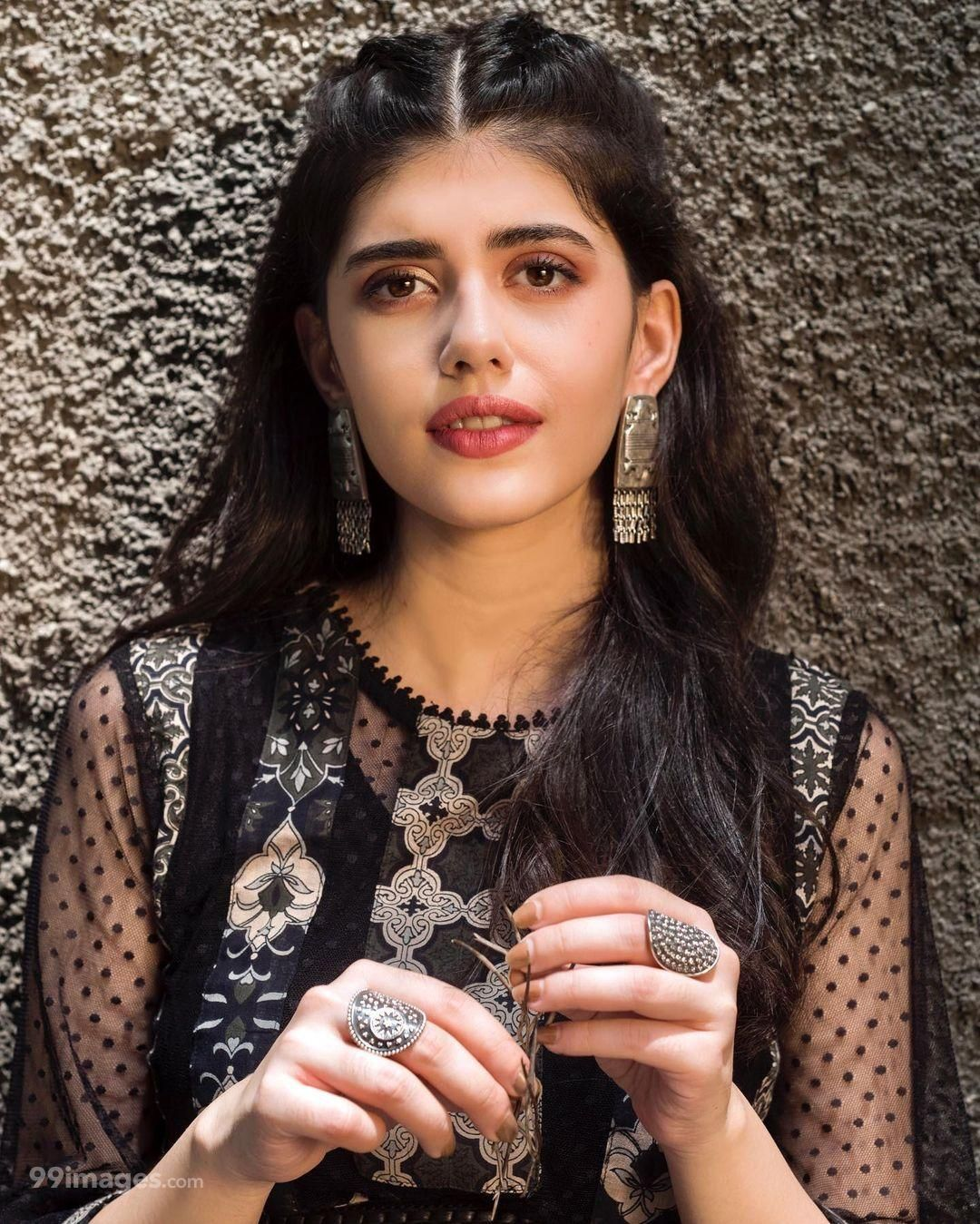 Sanjana Sanghi Hot HD Photos & Wallpapers for mobile, WhatsApp DP (1080p) (653669) - Sanjana Sanghi