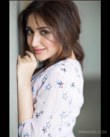 Sayesha Saigal Hot HD Photos & Wallpapers for mobile (1080p)