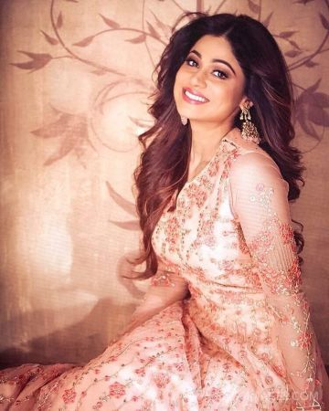 Shamita Shetty Beautiful Photos & Mobile Wallpapers HD (Android/iPhone) (1080p)