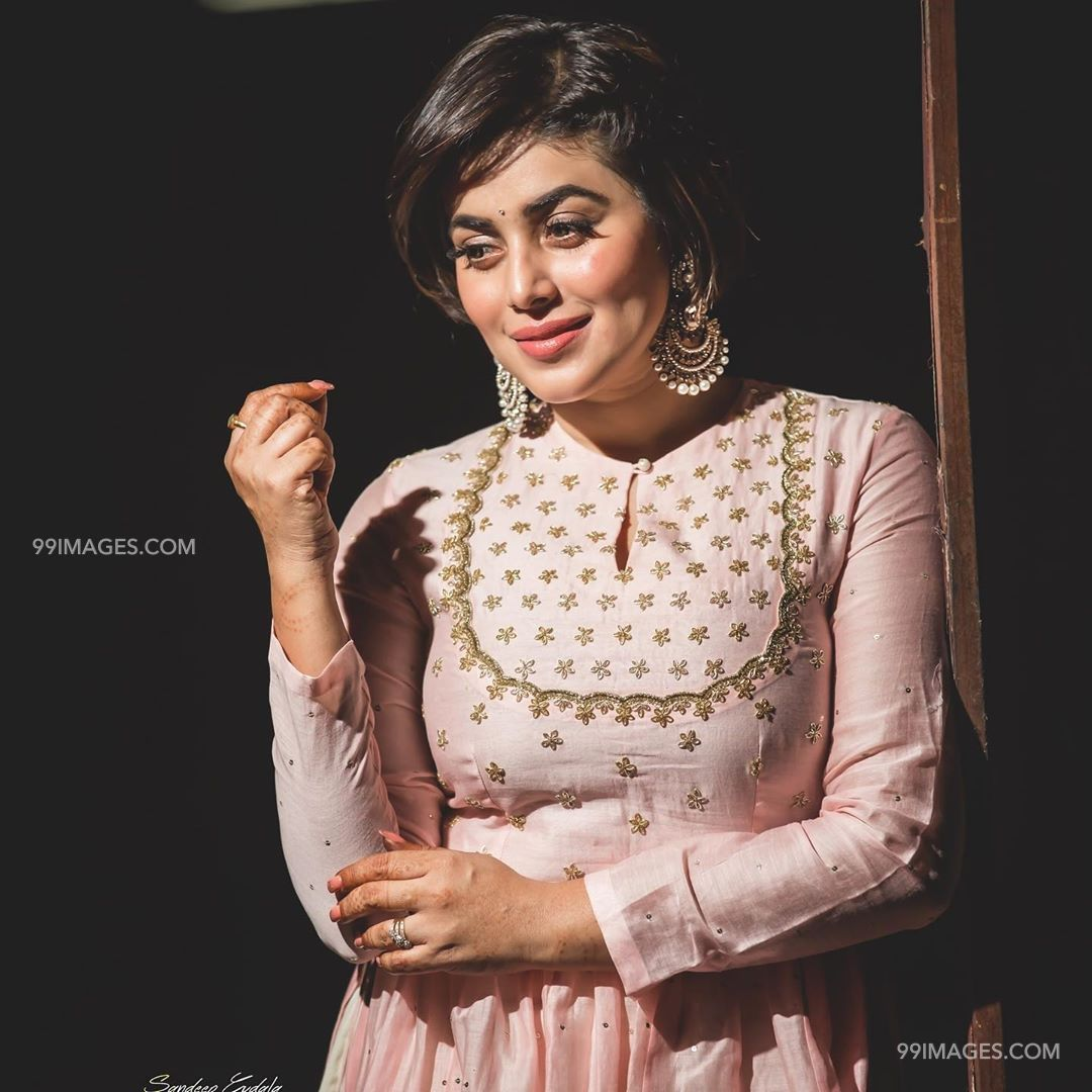 Shamna Kasim (Poorna) Beautiful HD Photos & Mobile Wallpapers HD (Android/iPhone) (1080p) (29758) - Shamna Kasim