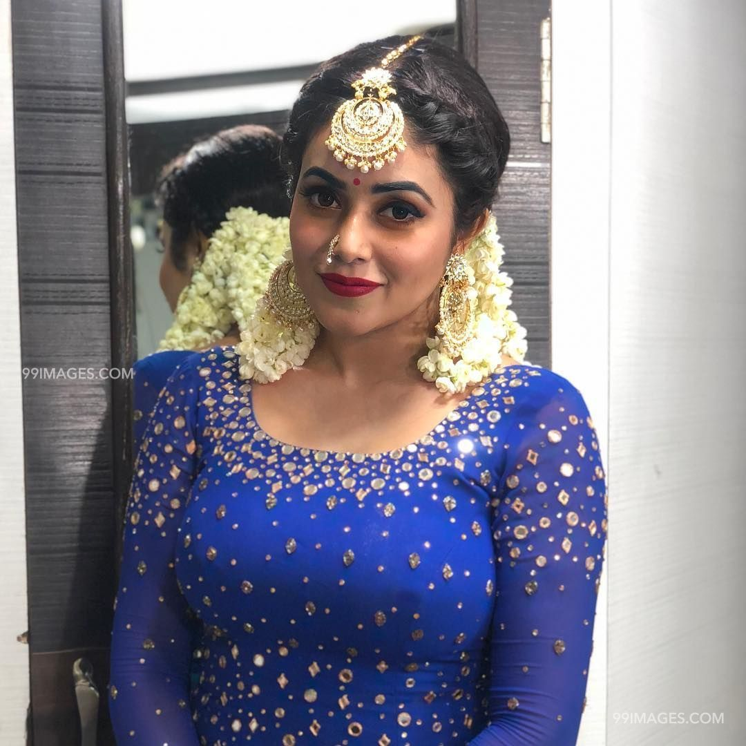 Shamna Kasim (Poorna) Beautiful HD Photos & Mobile Wallpapers HD (Android/iPhone) (1080p) (29731) - Shamna Kasim