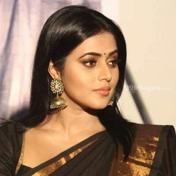 Shamna Kasim Beautiful HD Photoshoot Stills & Mobile Wallpapers HD (1080p)