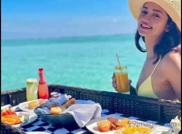 Shanvi Srivastava Hot HD Photos & Wallpapers for mobile Download, WhatsApp DP (1080p)