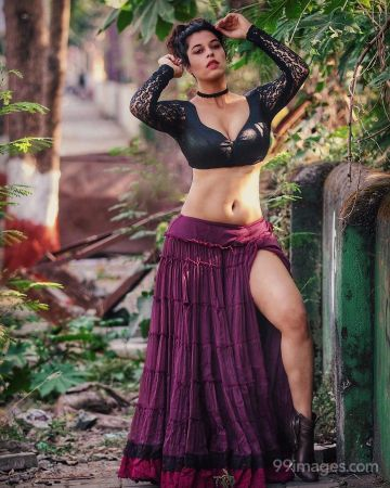 Sheeva Rana Latest Hot HD Photos / Wallpapers (1080p) (Instagram / Facebook)