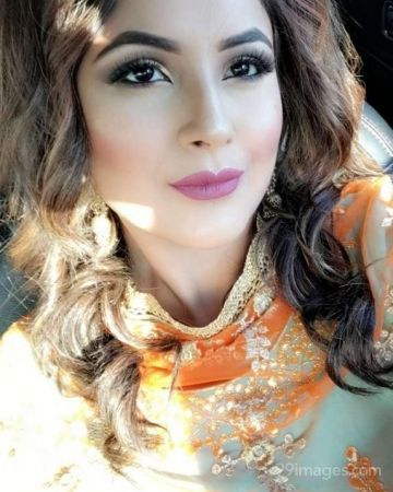 Shehnaz Kaur Latest Hot Beautiful Photos / Wallpapers (Android/iPhone) (1080p)