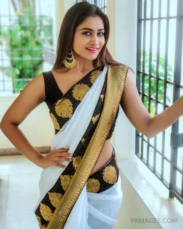 Shivani Narayanan(Bigg Boss) Latest Hot HD Photoshoot photos / Wallpapers (1080p)