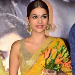 Shraddha Das Photoshoot Images & HD Wallpapers (1080p)