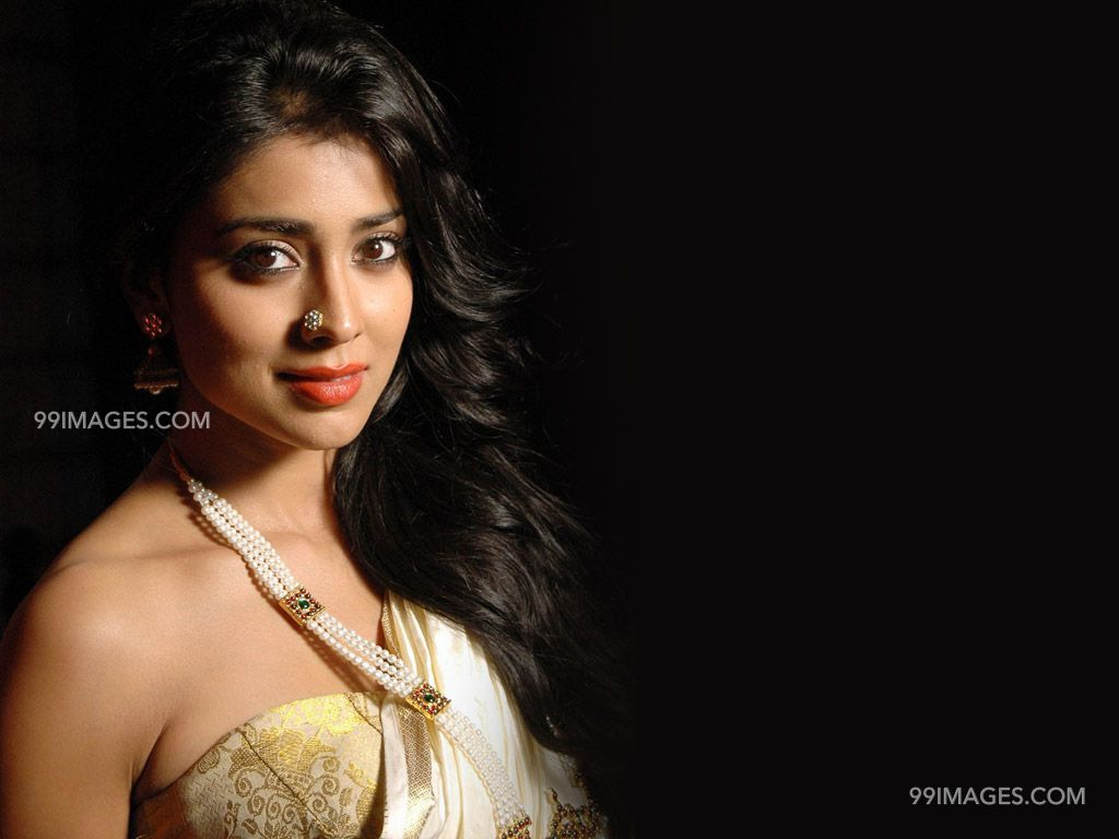 Shriya Saran Beautiful HD Photoshoot Stills (1080p) (3306) - Shriya Saran