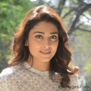 Shriya Saran Beautiful HD Photoshoot Stills (1080p) - #3295