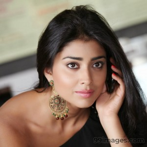 Shriya Saran Beautiful HD Photoshoot Stills (1080p) - #3257