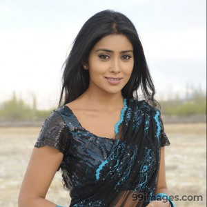 Shriya Saran Beautiful HD Photoshoot Stills (1080p) - #3301