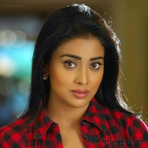 Shriya Saran Beautiful HD Photoshoot Stills (1080p) - #3330