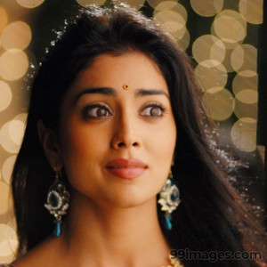Shriya Saran Beautiful HD Photoshoot Stills (1080p) - #3291