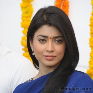 Shriya Saran Beautiful HD Photoshoot Stills (1080p) - #3254