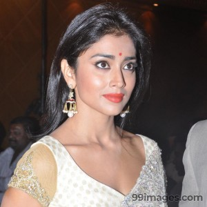 Shriya Saran Beautiful HD Photoshoot Stills (1080p) - #3253