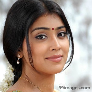 Shriya Saran Beautiful HD Photoshoot Stills (1080p) - #3249