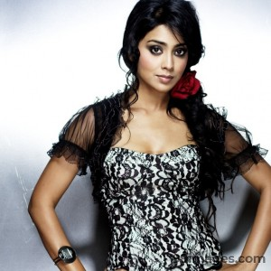 Shriya Saran Beautiful HD Photoshoot Stills (1080p) - #3260