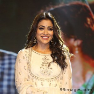 Shriya Saran Beautiful HD Photoshoot Stills (1080p) - #3299