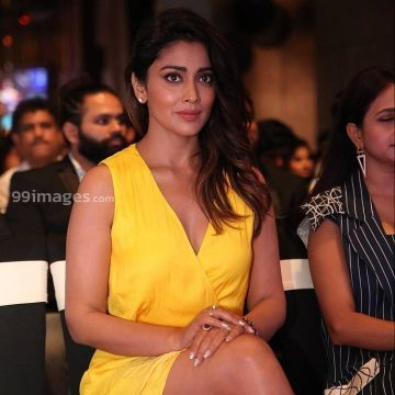 Shriya Saran Hot HD Photos & Wallpapers for mobile (1080p)