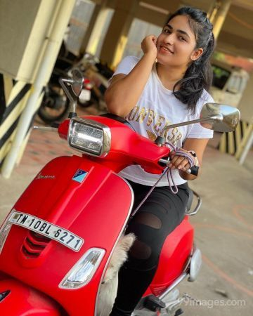 Shruthi Selvam Hot HD Photos & Wallpapers for mobile, WhatsApp DP (1080p)