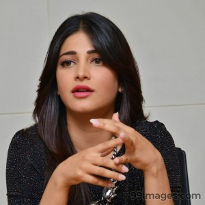 Shruti Haasan Beautiful HD Photoshoot Stills (1080p) - #3547