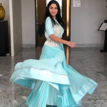 Sonalee Kulkarni Hot HD Photos & Mobile Wallpapers (1080p)