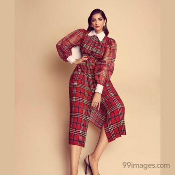 Sonam Kapoor Hot HD Photos & Wallpapers for mobile (1080p)